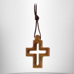 Pendentif croix d'olivier